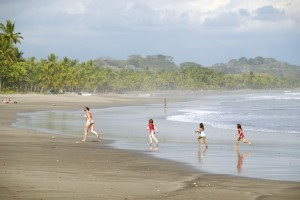 6.9% more tourists came to Costa Rica on the third trimester of 2012 vacations travel tourists real estate medical tourist costa rica costa developers business beach adventure
