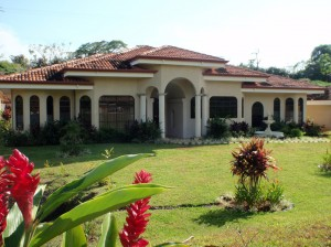 10 reasons why buy property in Costa Rica residence properties in Costa Rica real estate natural holiday health service fractional properties foreigners costa rica costa developers climate